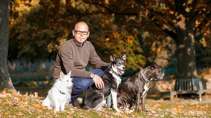 Hundetrainer Christian Niemand und Team von Franklin & DOGS